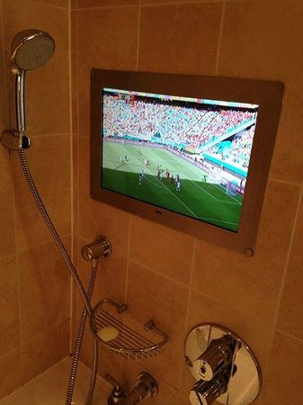 The Royal Horseguards : The hotel made sure I didn't miss the World Cup match while showering