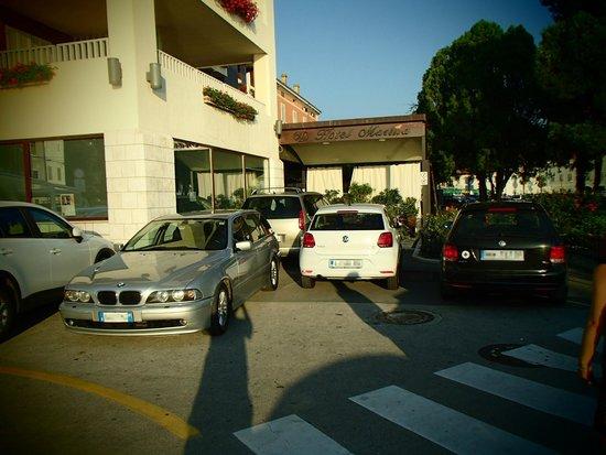 Hotel marina d.o.o.: main entrance blocked by cars