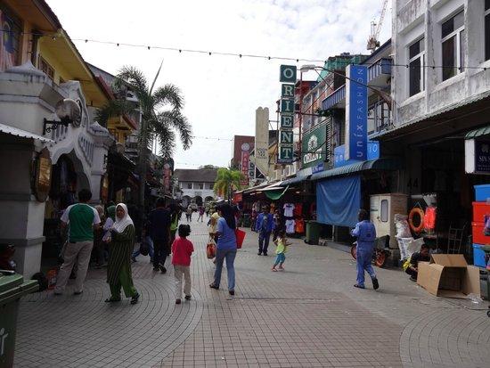 Riverside Food & Drink Hawker Stalls: Market place