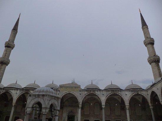 Mezquita Azul: outside view