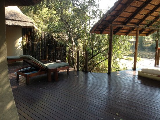 Jock Safari Lodge: Outside Patio