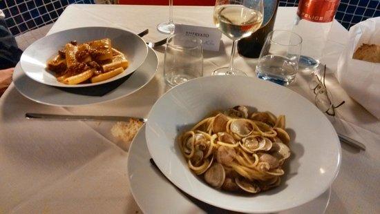 Wine and spectacular view - Foto di Hotel Ristorante Belsoggiorno ...