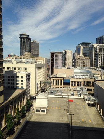 Sheraton Seattle Hotel: View from our room on the 14th floor!
