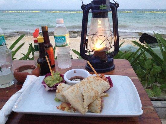 Fusion Bar & Restaurant: Chicken burrito