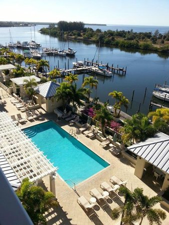 Harborside Suites at Little Harbor: Pool at Harborside