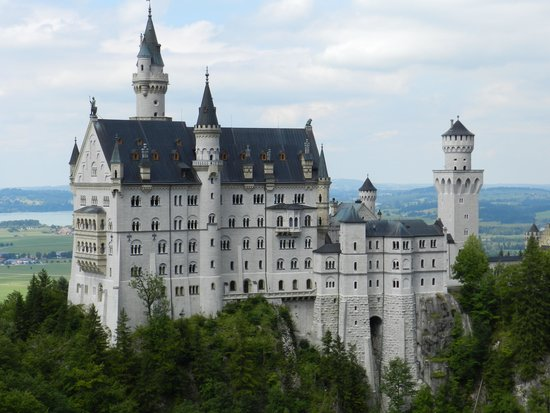Radius Tours: Newschwanstein Castle