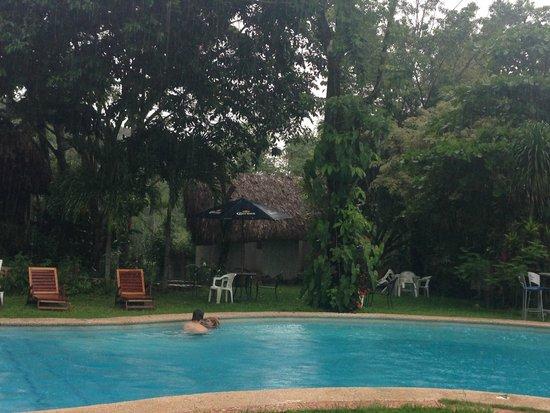 Hotel La Aldea del Halach Huinic: refreshing pool