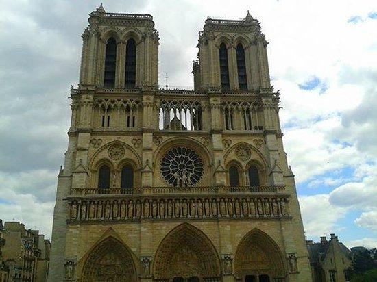 Tours de la Cathedrale Notre-Dame : Catedral