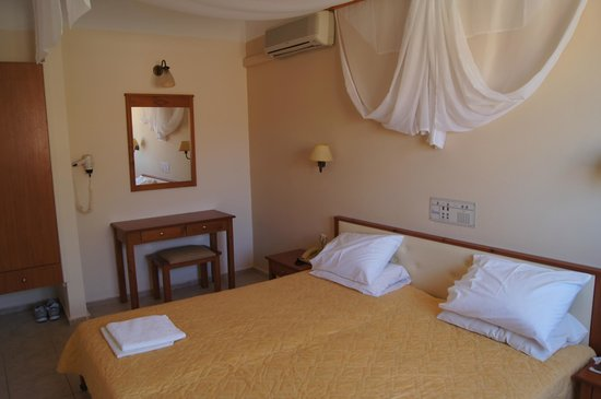 Galeana Mare Hotel Apartments : Спальня