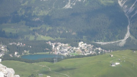 Hotel Altein: Another aerial view of Arosa