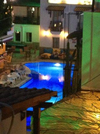 Hotel Istankoy Bodrum: night