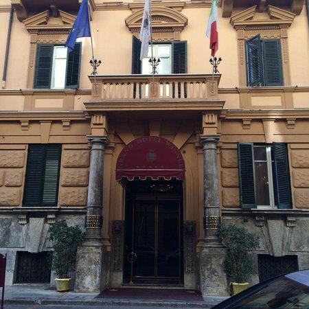 Grand Hotel Wagner : Hotel Entrance