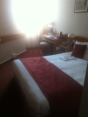 Mercure Budapest City Center : Classic room. Small room