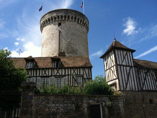 Le Vieux Moulin de Vernon : Tower of the Archives