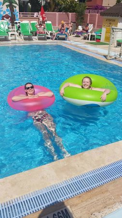 Rosy Apart Hotel : Pool passion