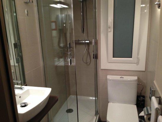 Aparthotel Silver: Ванная