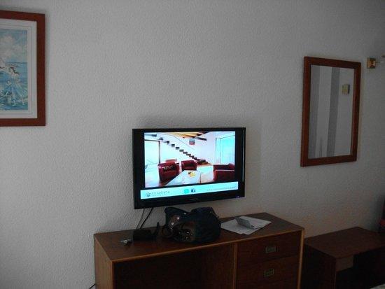 Hotel Oleander: Fernseher