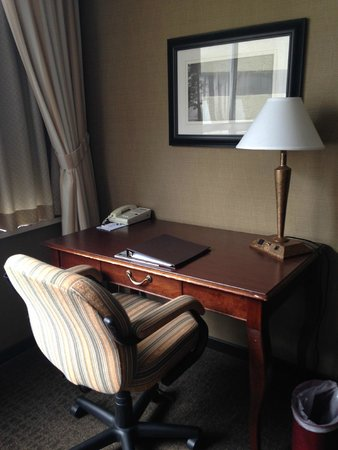 The Lord Nelson Hotel & Suites : Desk