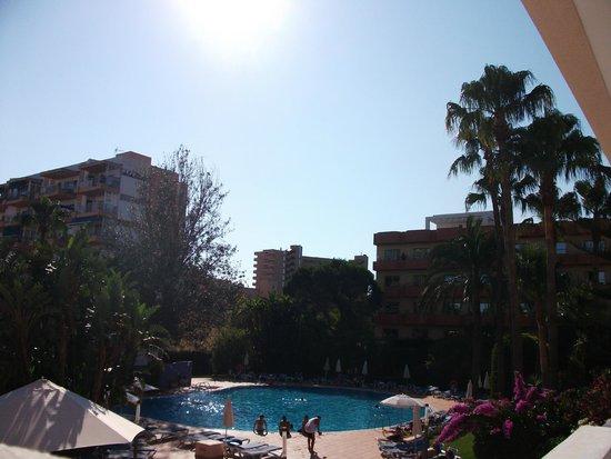 Hotel Oleander: Ausblick Richtung Meer, da Erste Etage kein Meerblick