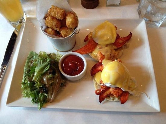 Smoke: Lobster Eggs Benedict