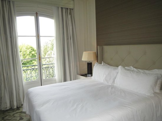 Trianon Palace Versailles, A Waldorf Astoria Hotel: room