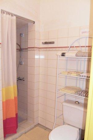 Les studios de soizick : salle d'eau et wc