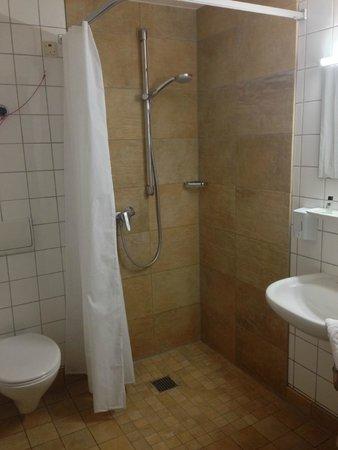 Hotel & Cafe Ritter von Bohl : Bathroom