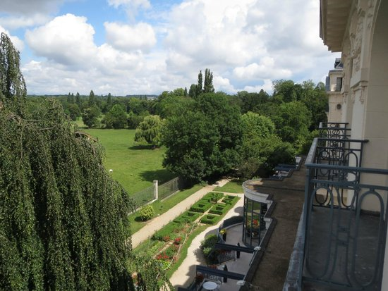 Trianon Palace Versailles, A Waldorf Astoria Hotel: view from room