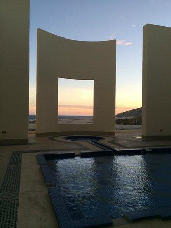 Pueblo Bonito Pacifica Resort & Spa : Picture Window at Entrance