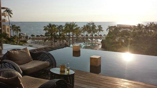 Secrets Vallarta Bay Puerto Vallarta: Relaxation lounge off of foyer