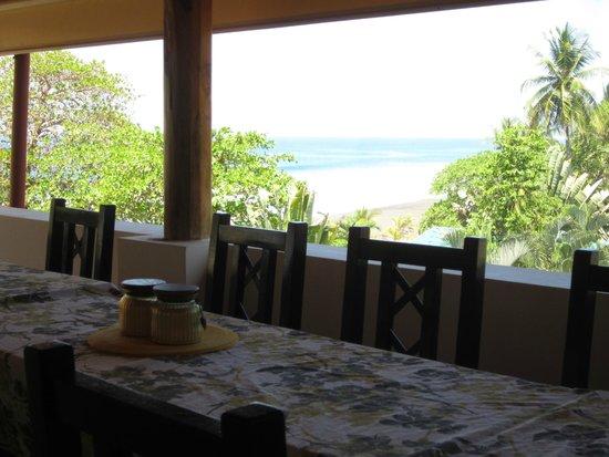 Surf Inn Hermosa : view from breakfast balcony