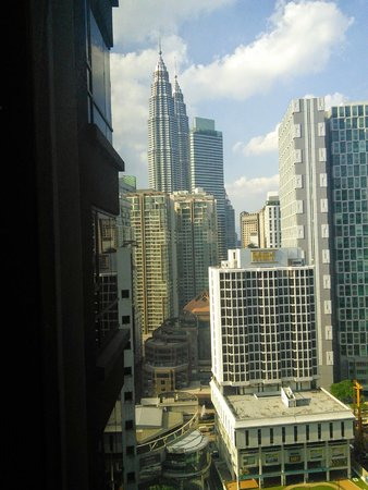E&O Residences Kuala Lumpur : View from room, Petronas Twin Towers