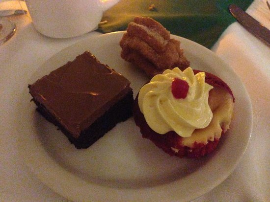 Royal Decameron Montego Beach: Dessert!
