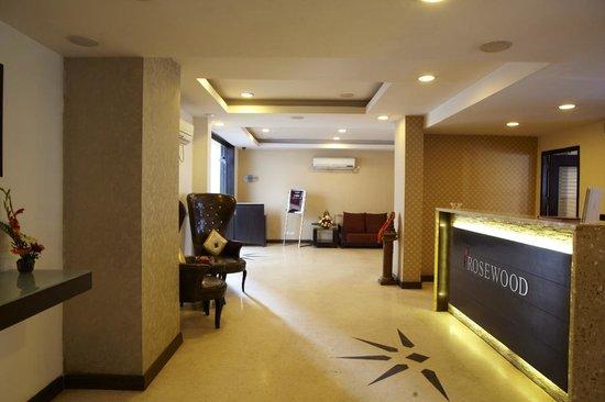 Rosewood Apartment Hotel - Pantnagar : Reception Area