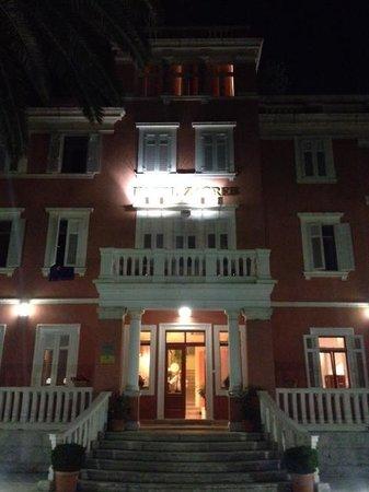 Hotel Zagreb at night
