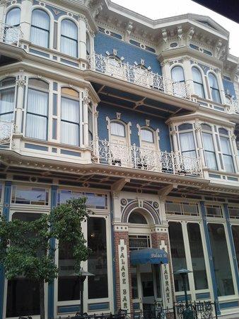 The Horton Grand Hotel: Victorian charm