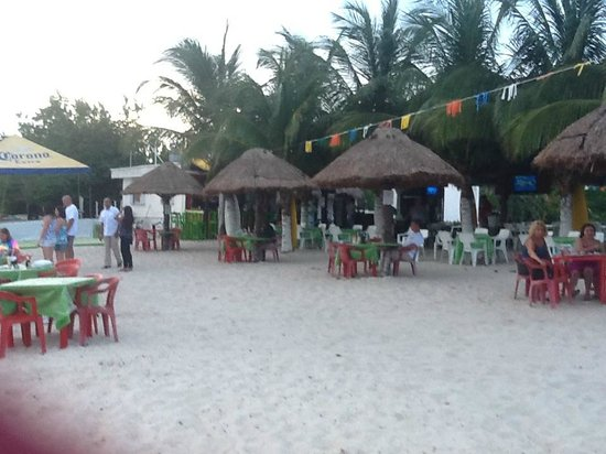 Iberostar Cozumel: Alberto's beach bar next door