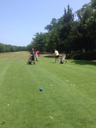 Clermont, NJ: Get ready to let it rip on the 1st hole (par 4)