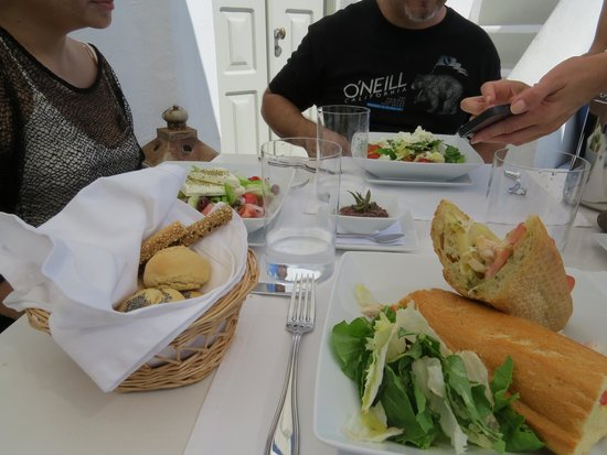 Iconic Santorini, a boutique cave hotel: Lunch