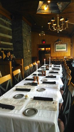 The Peddler Steakhouse: Room was beautiful