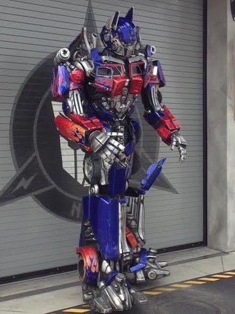 Loews Royal Pacific Resort at Universal Orlando: Optimus Prime