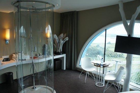 chambre de luxe 15 me tage picture of fletcher hotel amsterdam amsterdam tripadvisor. Black Bedroom Furniture Sets. Home Design Ideas