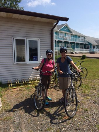 Confederation Trail Cycling : Lois and Diane from Australia rode the Confederation Trail at St Peter's Bay