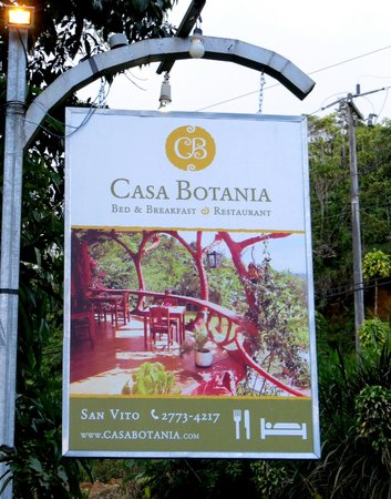 Casa Botania: Roadside sign