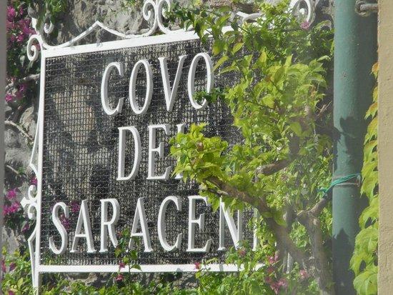 Covo Dei Saraceni: Sign