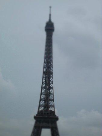 Tour Eiffel : Eiffel T Against the Rain Clouds
