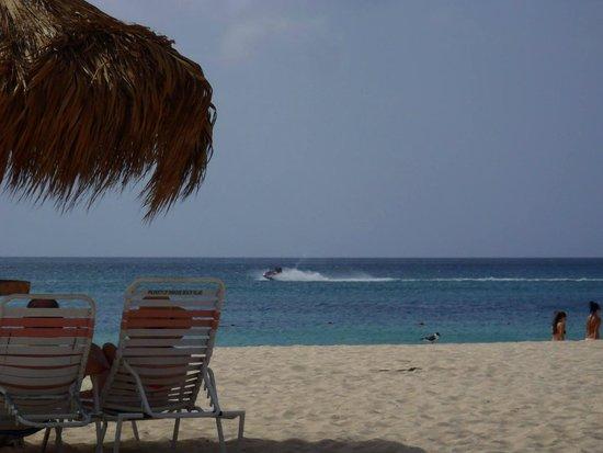 Paradise Beach Villas : Beach View