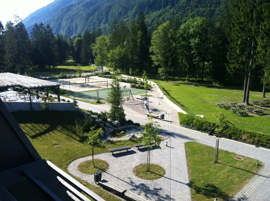 Hotel Spik Alpine Wellness Resort: Sports grounds and play area