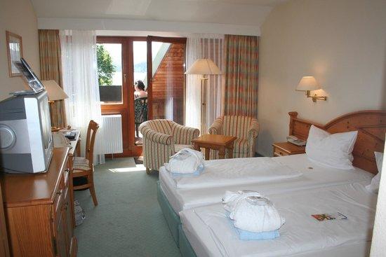 Maritim TitiseeHotel : Zimmer mit Aussicht auf den See