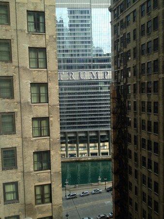 Comfort Suites Michigan Avenue / Loop : View from 16th floor